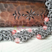 Сакура – ефектна широка ръчно изработена гривна с черешов кварц.