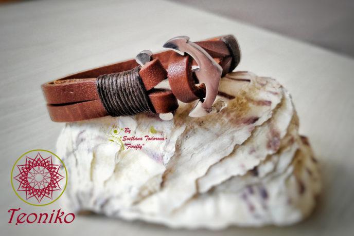 Стилна гривна от естествена кожа и елемент от стомана във формата на Котва