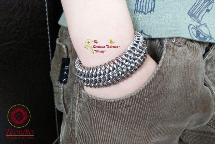 Ръчно изработена гривна от стомана Преплитане
