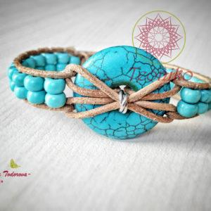 Handmade bracelet with turquoise and genuine leather - a lovely gift for ladies who love jewellery with charisma
