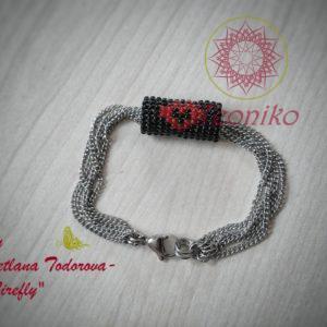 Ръчно изработена гривна от стомана и японски мъниста Тохо Сърце