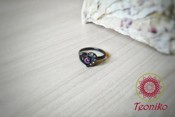 Черен стоманен пръстен с цирконии Сърце
