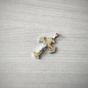 Кръст от медицинска стомана в сребристо и златно 3.5 см