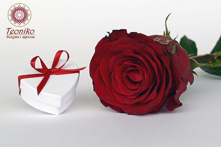 Подарък за Свети Валентин - ръчно изработени бижута, ръчно изработена гривна, ръчно изработени обеци, ръчно изработени колиета