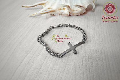 Ръчно изработена гривна Кръст