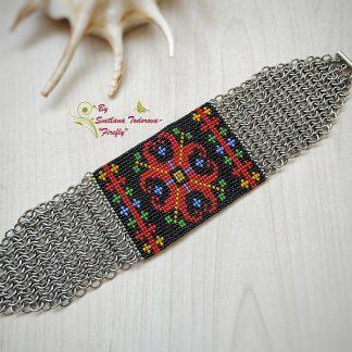Ръчно изработена гривна с шевица Цветe
